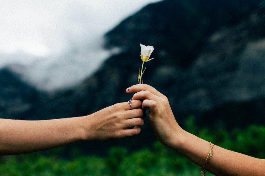 A szeretet kifejezésének öt módja. A negyedik szeretet-nyelv: szívességek